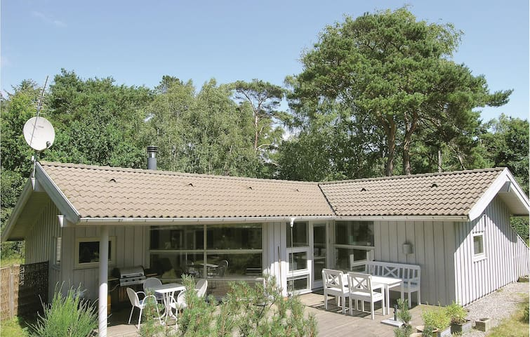 Holiday cottage with 3 bedrooms on 95m² in Gilleleje