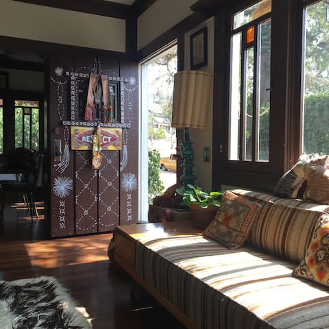 Sunny, beautiful, private home in Highland Park! - Los Angeles - Casa