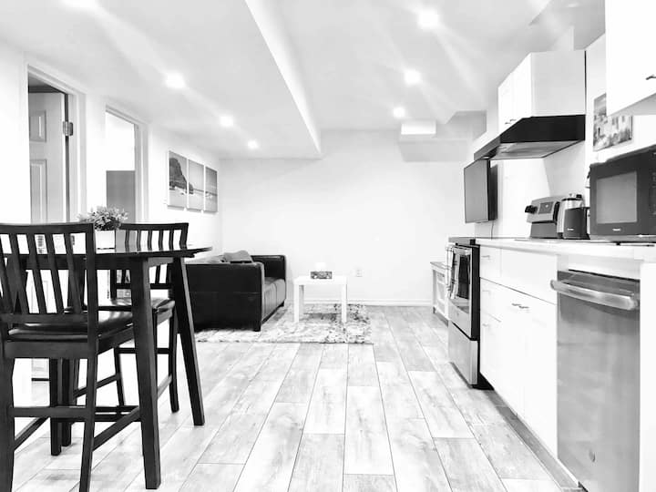 Cozy & Clean 1 Bedroom Basement Apartment