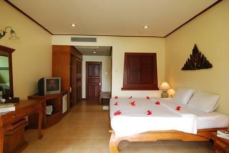 Luscious Villa on Phi Phi! - Ao Nang - Villa