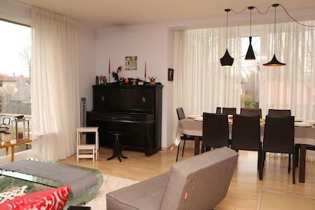 Long-term Exclusive 3bedrooms, 2parkings apartment