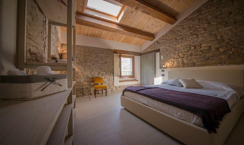 Antico Casolare in sasso tra Toscana e Romagna - Castellina - Pondok alam