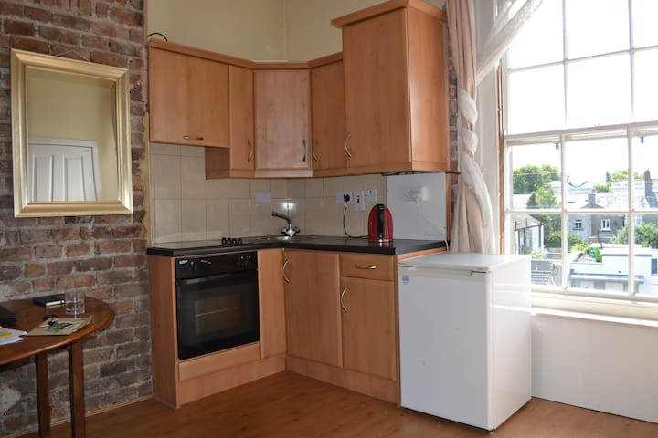 Prime location, Rathmines close to city center