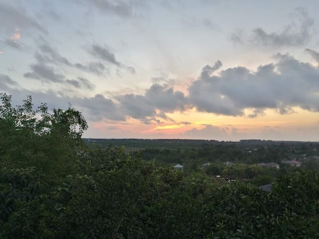 Enjoy Black Sea Sunset at 4BR Panoramic House
