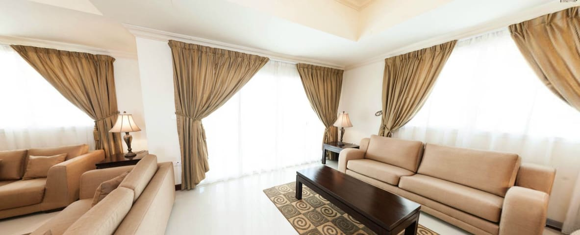 Room in Great Compound with Luxury Facilities - Doha - Hus