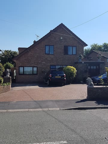 'Magnolia Lodge' Semi Rural 10 mins to Chester etc - Flintshire - House