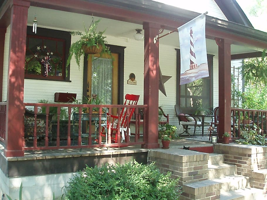 The Platt House in Caldwell with stairs to the front porch