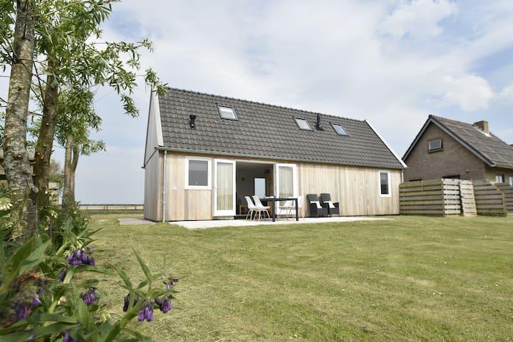 Nieuw vakantiehuis bij de Hondsbossche Zeewiering en het brede strand van Petten