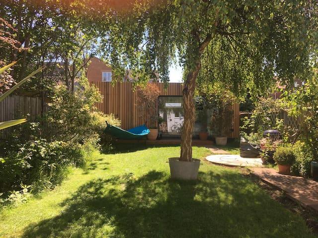 Large Garden Studio in trendy East Oxford