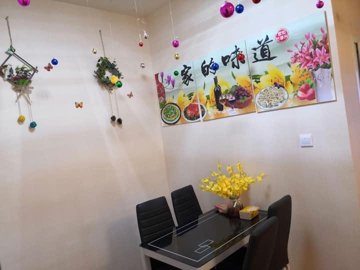 【果城民宿】南门坝1227广场/恒河外滩江景一室二厅温馨房