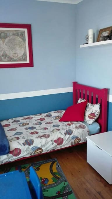 Single bed room with BIC