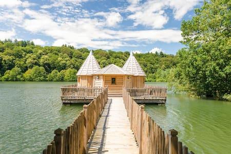 Cabane Spa Château pour 4 personnnes - Chassey-lès-Montbozon - Srub