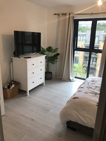 Spacious Double Room with En-suite