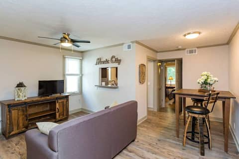 Music Row Suite 7 - Discounted Weekdays