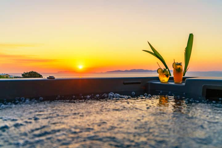 Cave by Noelia Suites | Sunset View | Hot Tub-4Pax