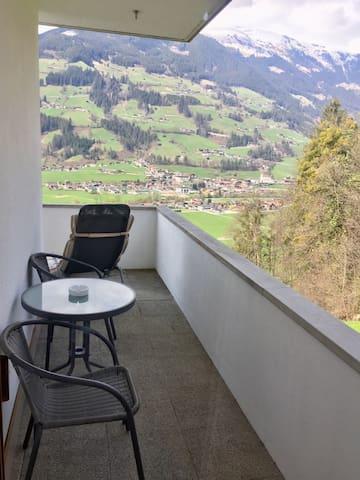 Balkon zu Zimmer Love