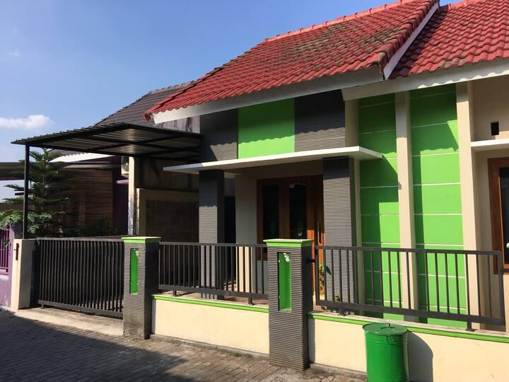 House Yogyakarta, Imogiri Timur Near Sate Klathak