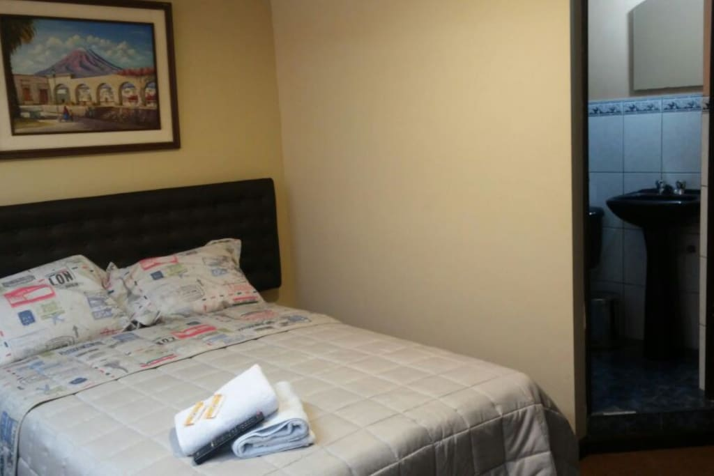 Bedroom 2 / Single or double with private bathroom.