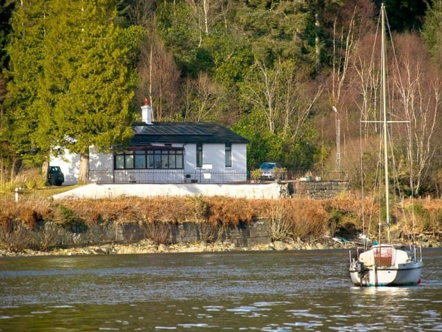 Goldberry Cottage B&B  Private Room with Loch View