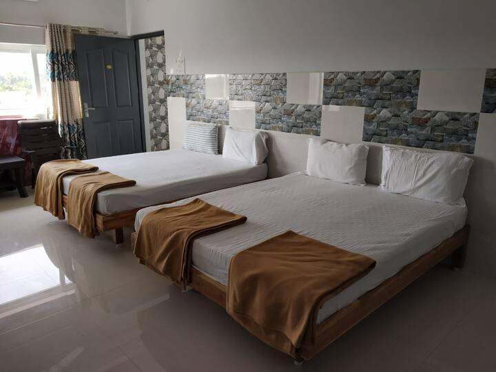 2 Rooms @ Deluxe Quadruple Room Close to Beach A/c