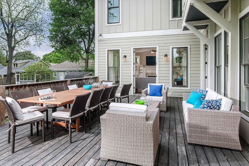 The PERFECT Outdoor Space with Seating for 12, Lounge Space, Gas Grill & Hot Tub!