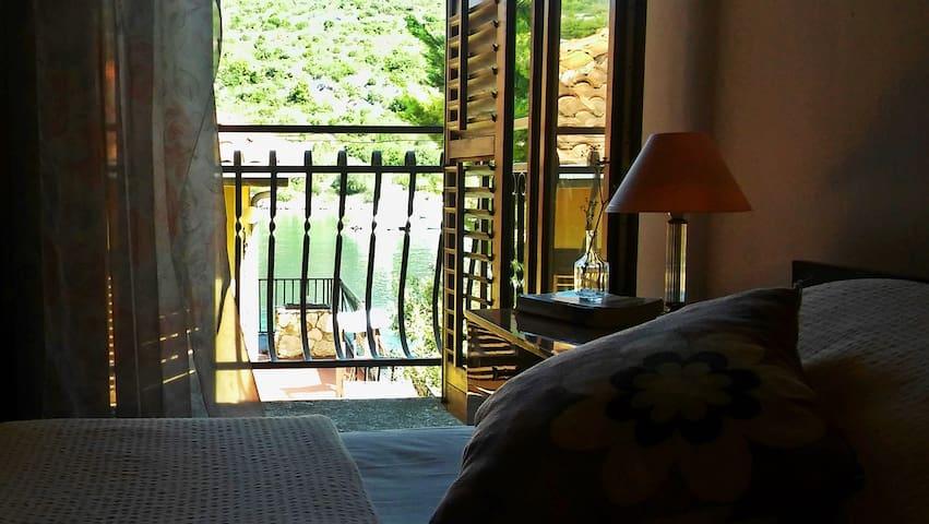 Idyllic island getaway- Rose apartment - Drvenik Veliki - Apartment
