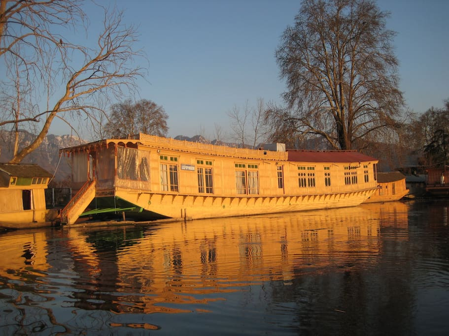 Our Floating Houseboat