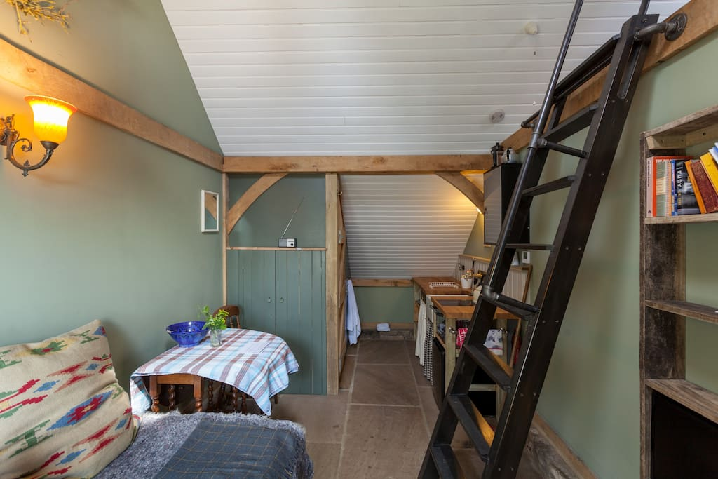 main space, steps to bed deck