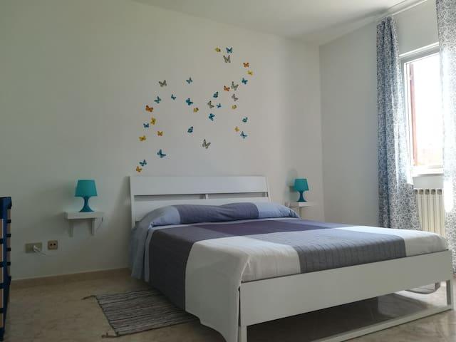 Prestigioso appartamento con vista mare.(WI-FI)