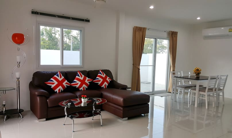 2Br Private house - Chalong - Casa