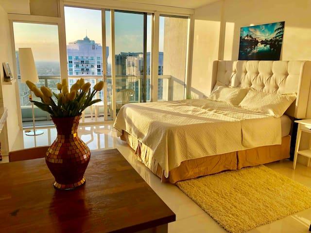 Luxury Studio  Icon Brickell - High floor