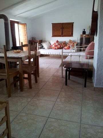 Farmhouse Apartment - Beautiful Views. - Trujillos - Apartemen