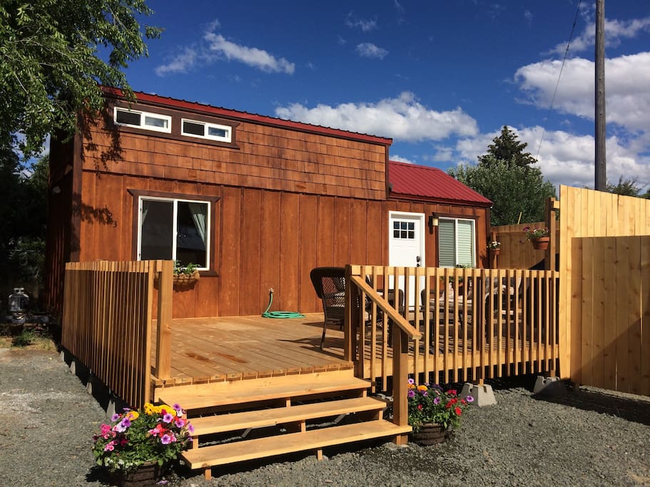 Dixie Creek Bungalow A Not So Tiny Tiny Home Houses