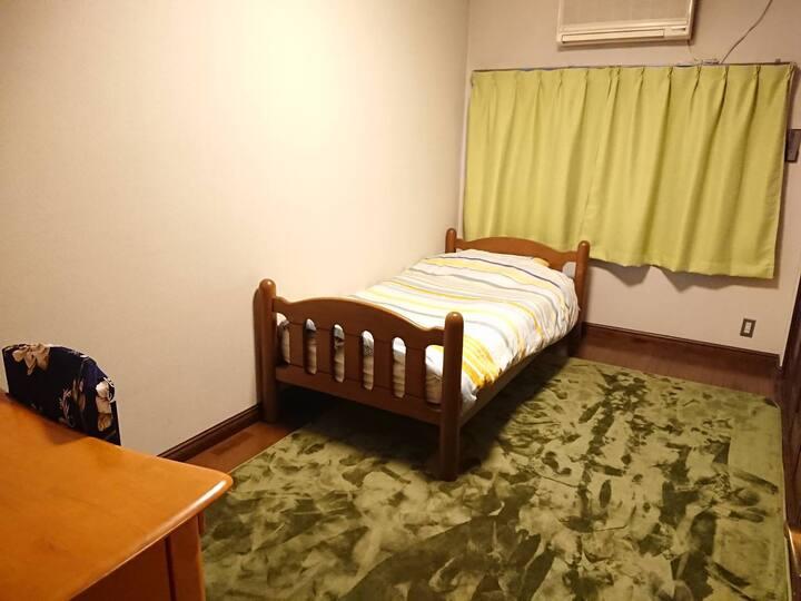 Guest house Ivy 洋室②【駅徒歩5分/銭湯,コンビニ,スーパー/cafe併設】