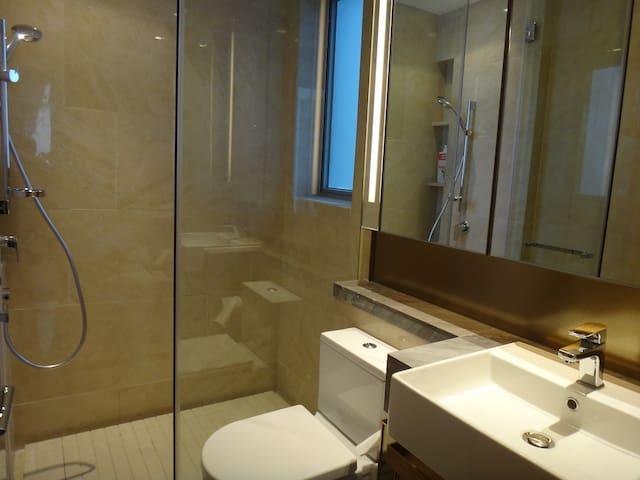 2210 2 Bedrooms 1 Bathroom