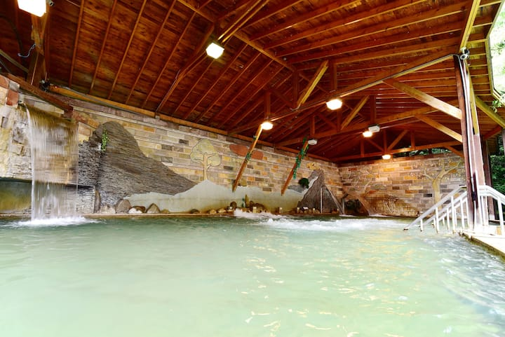 Lusan Hotspring 4-persons room,close to  Cingjing