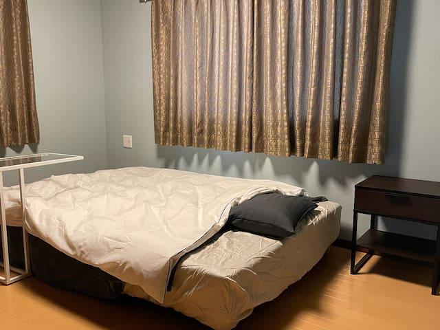 寝室①ダブルベット1台