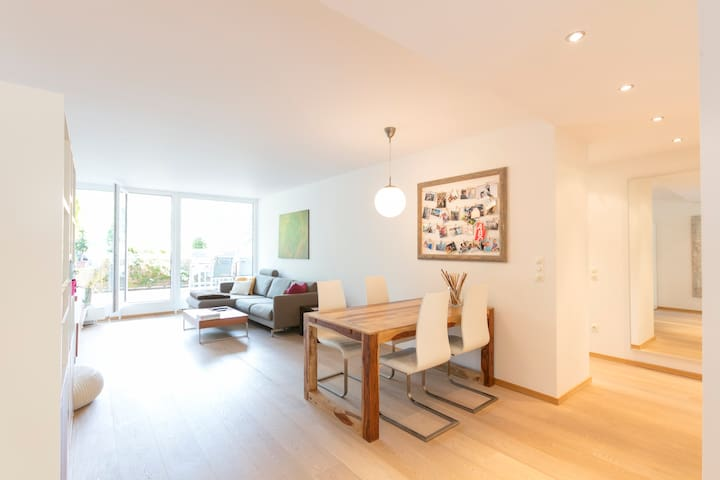 Luxurious 2 bedroom apartment with large terrace