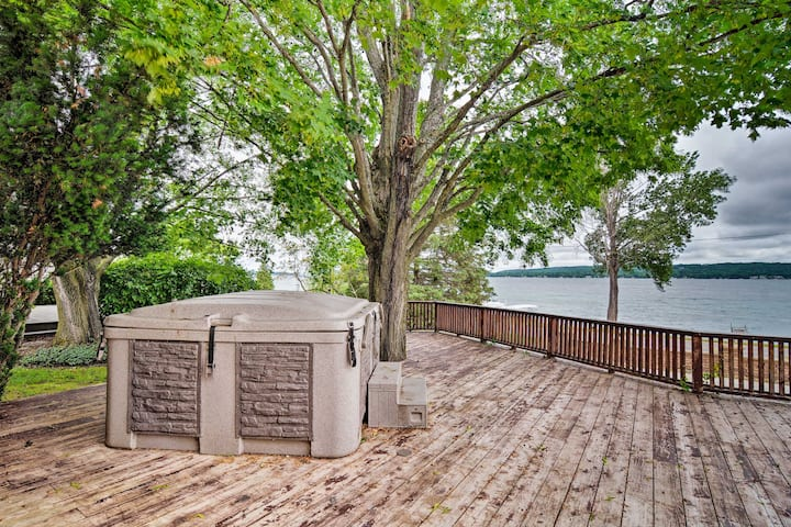 Lake Charlevoix Home w/ Deck, Walk to Downtown!
