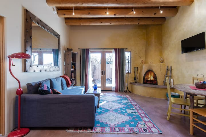 Sunny Adobe Casita With Fireplace 1.2mi/Plaza