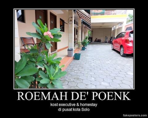 Roemah de Poenk, kost executive & homestay