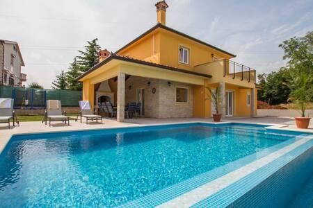 3 Bedrooms Home in Nedescina #4 - Nedescina