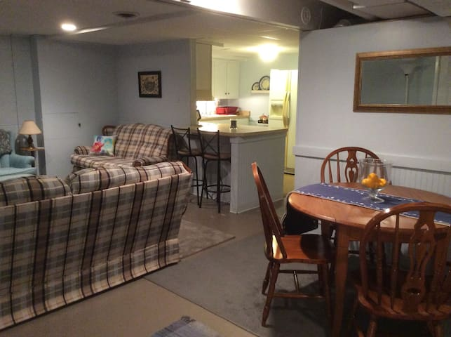 Cozy 2 bedroom apartment close to Cedarville U