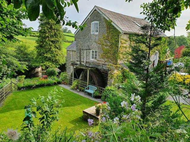 Segrwyd Mill Holiday Home