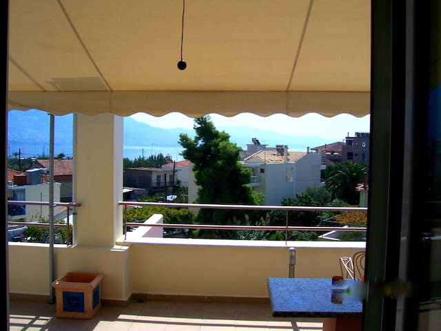 Studio 60m from the beach of Kalamata-amazing view - Anatolikos Sinikismos - アパート