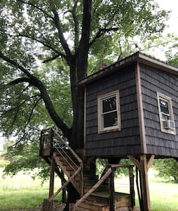 Gainesville Farm Treehouse