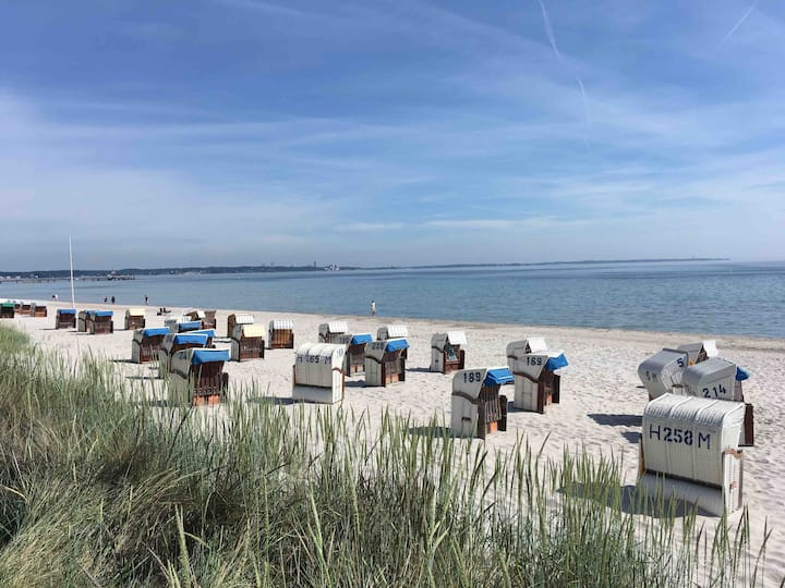 See und Sand am Ostseestrand in Scharbeutz