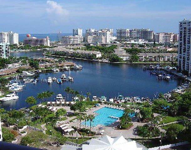 CUARTO PARA UNO o DOS, Hallandale Beach (Miami B.) - Hallandale Beach - Dům
