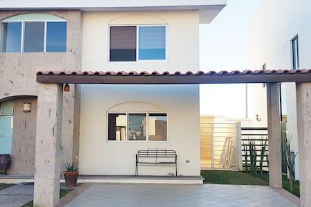 Hermosa casa en residencial privado con alberca