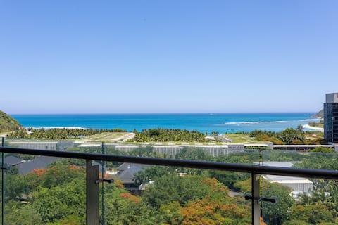 半山半岛200平空中别墅/300米到海边/超正180度海景/每个房间看海/免费停车/做饭方便